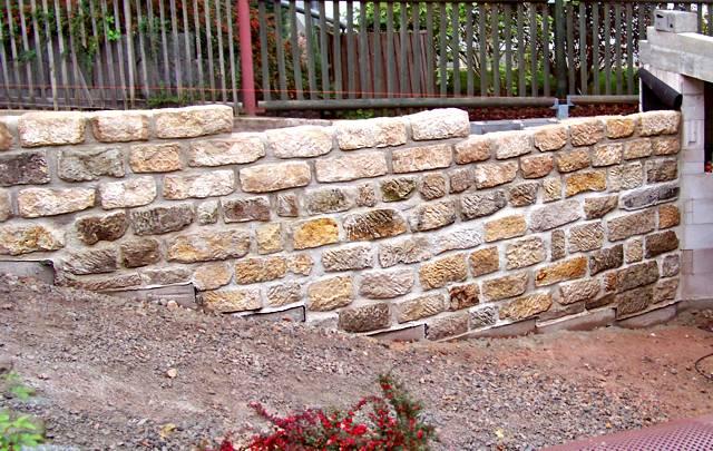 natursteinmauern natursteinmauern f r ihr grundst ck. Black Bedroom Furniture Sets. Home Design Ideas